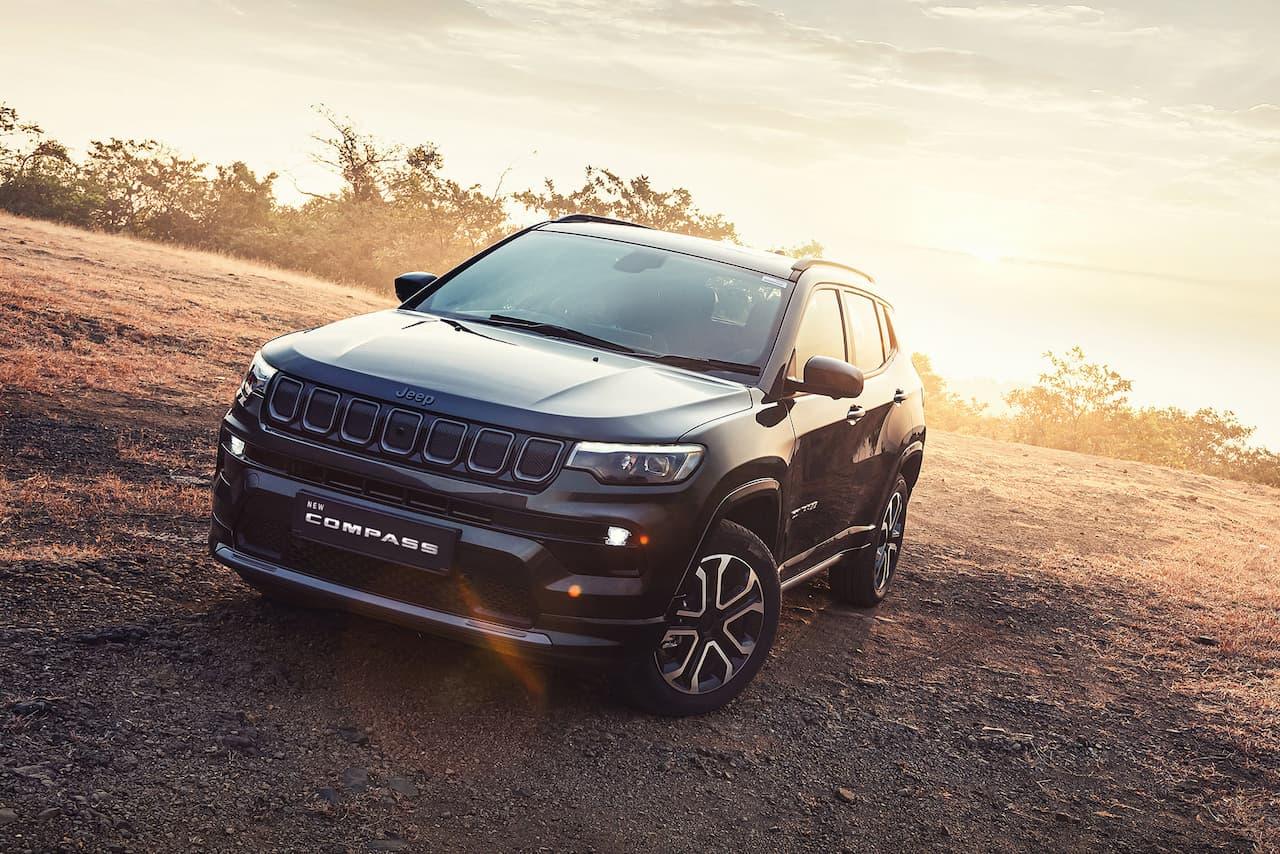 2021 Jeep Compass facelift front quarters