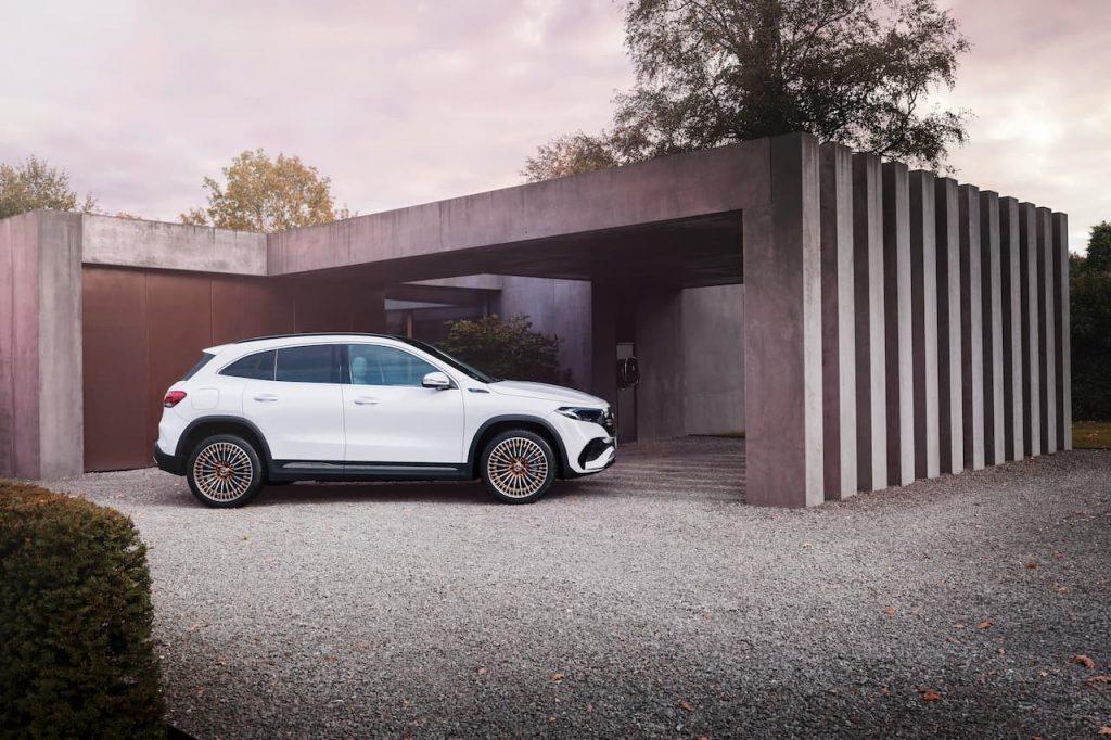 Mercedes EQA profile side