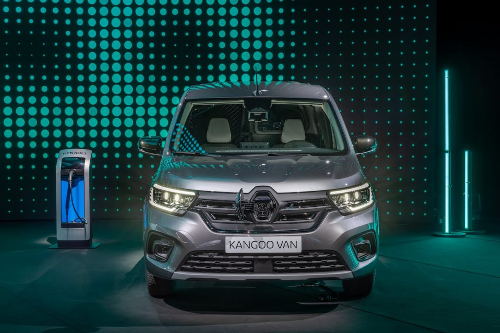 2021 Renaul Kangoo E-Tech to which Mercedes EQT is related
