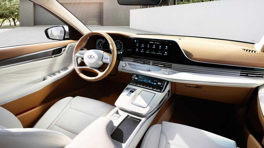 Hyundai Grandeur interior