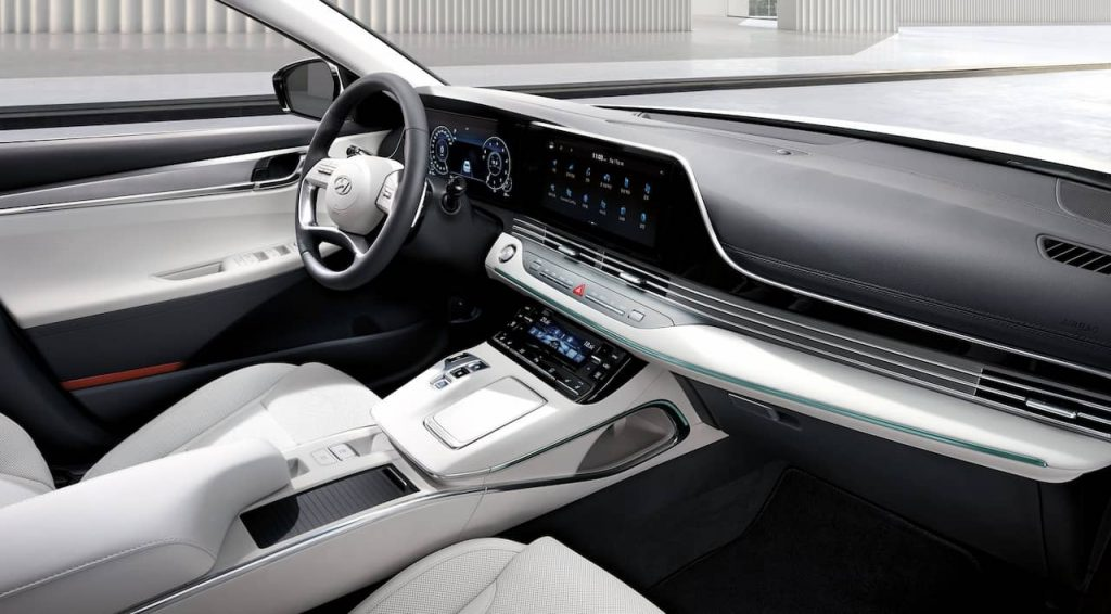 Hyundai Grandeur Le Blanc interior