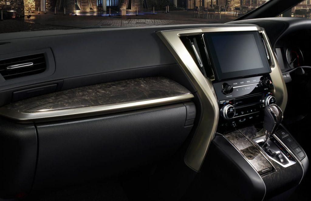 Toyota Alphard Type Gold II interior
