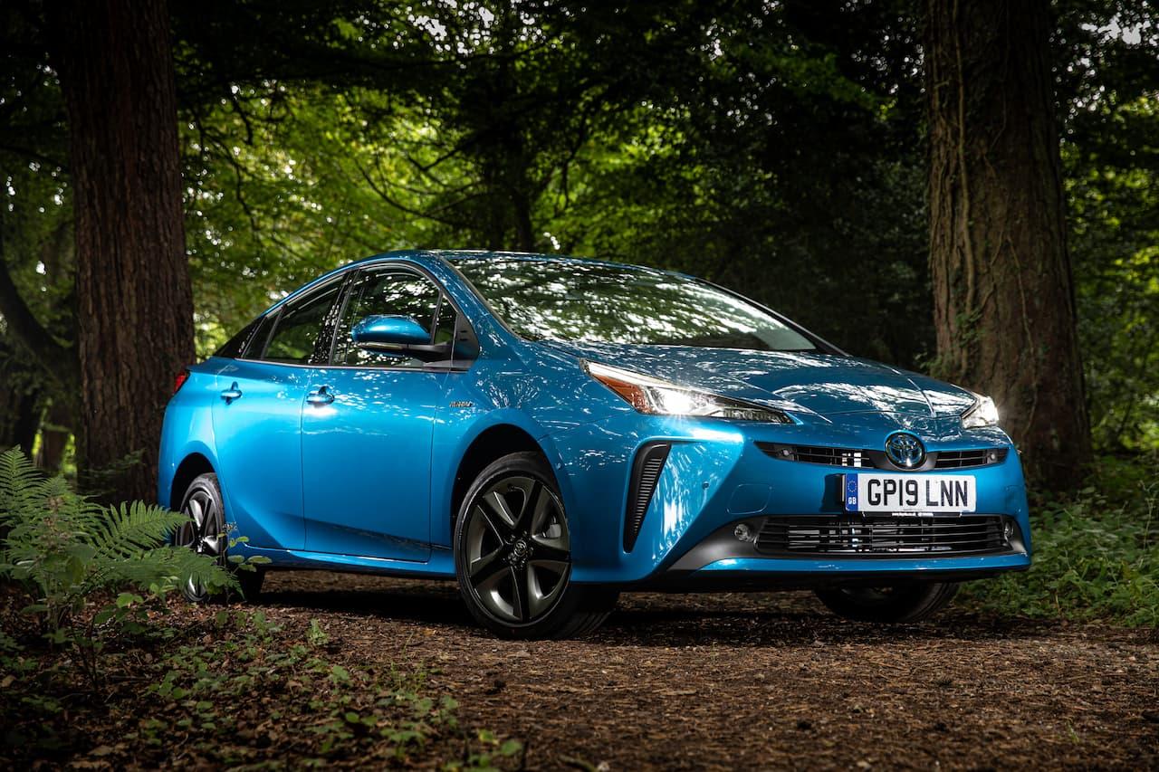 2019 Toyota Prius front three quarters