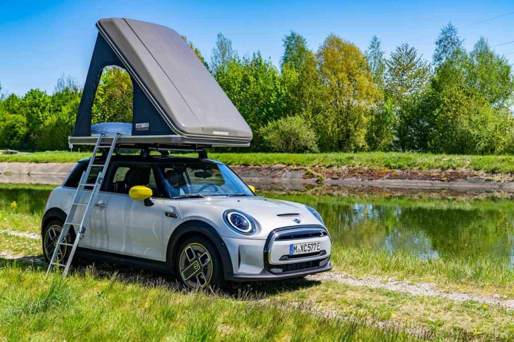 Mini Cooper SE Roof Tent
