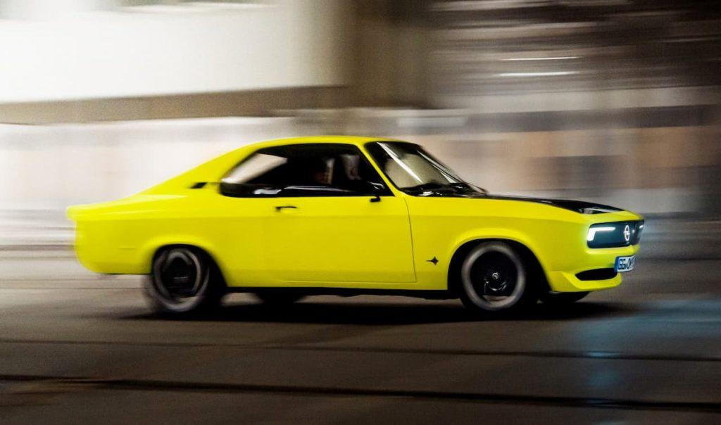 Opel Manta GSe EV side