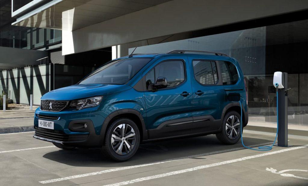 Peugeot e-Rifter front three quarter