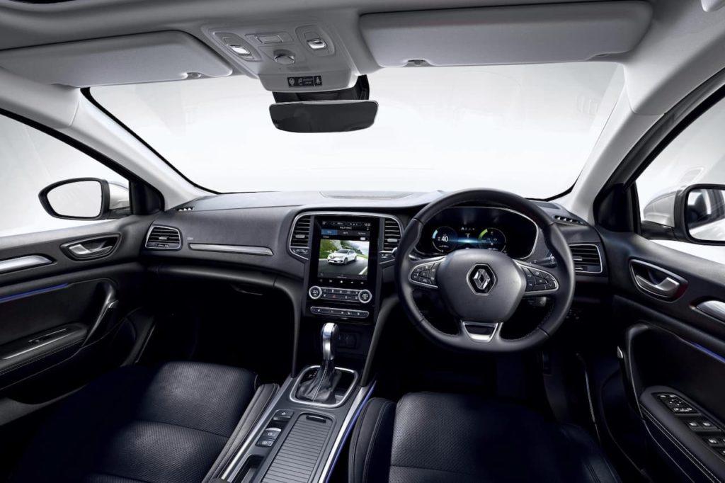 Renault Megane hatch plug-in hybrid cabin